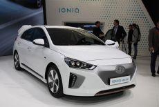 Hyundai IONIQ Electric bei der Weltpremiere auf dem Auto Salon in Genf (2016) - zur Galerie