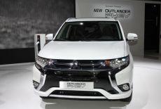 Mitsubishi Outlander PHEV facelift - IAA 2015