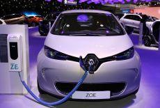 Renault ZOE an einer Ladestation - zur Galerie